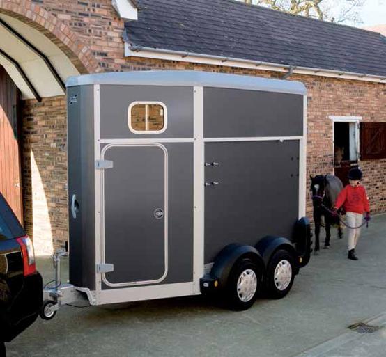 HB403 – Single Horsebox