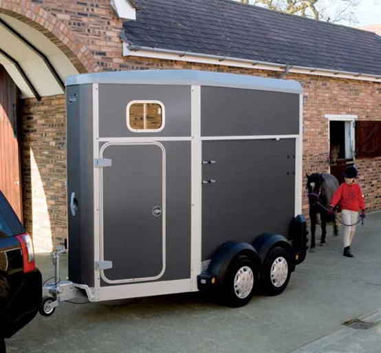 HB403 – Single Horsebox